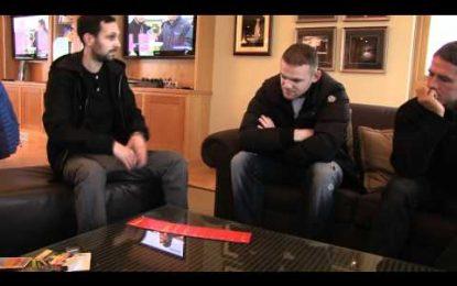 Rooney, Owen e Cleverley em programa de magia
