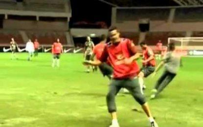 "Thiago Silva ""varre"" Neymar"