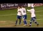 Jogadores do Bury discutem por um penalty