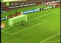Manucho tenta golo a 50 metros da baliza