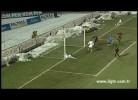 Milan Cerny falha golo de baliza aberta
