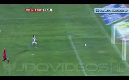 Guarda-redes da Real Sociedad oferece golo ao adversário