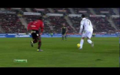 Cristiano Ronaldo falha golaço novamente