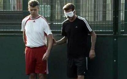 David Beckham faz treino com jogadores invisuais