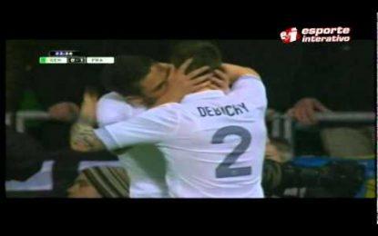 Jogadores da França comemoram golo com beijo na boca?