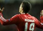 Rodrigo falha golo de baliza aberta