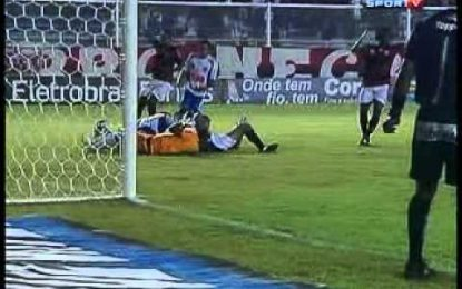 Felipe, ex-Braga, desmaia após choque