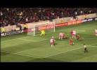Thierry Henry falha golaço!