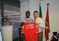 Ola John assina pelo Benfica