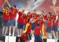 Espanha festeja em Cibeles e Reina conduz o espetáculo