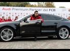 Jogadores do Barça recebem carros novos