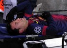 Messi lesionado no joelho durante o jogo com o Benfica
