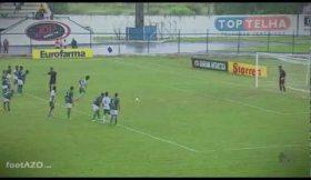 Guarda-redes marca e defende penalidade no mesmo jogo
