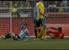 Isaksson defende de bicicleta chapéu de Messi
