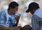 Di Maria e Messi arrasados com a altitude na Bolívia