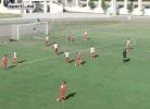 Guarda-redes deixa escapar a bola e marca auto-golo monumental