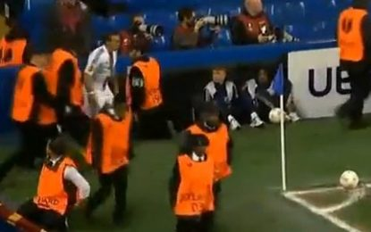 Atitude irrealista dos stewards de Stamford Bridge