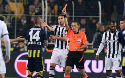 Raul Meireles, mais um derby, mais uma expulsão