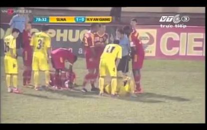 Jogador vietnamita banido por 28 jogos após entrada violenta