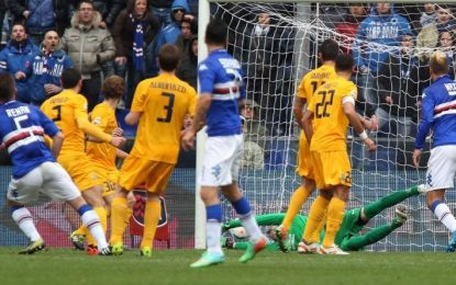 Serie A: árbitro faz assistência para golo