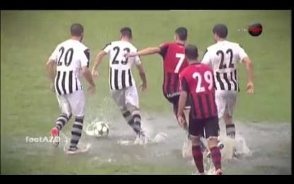 Enxurrada alaga campo durante jogo na Bulgária