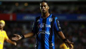 Ronaldinho falha penalti e perde jogo em estreia no México