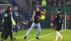 Adepto do Hamburgo ataca Ribéry em pleno jogo