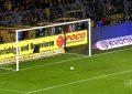 Dortmund vence em casa com auto-golo quase do meio-campo