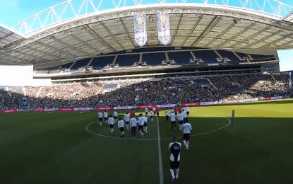 Porto torna simples treino em entretenimento ao mais alto nível