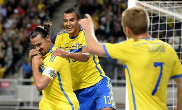 Guarda-redes moldavo oferece golo a Zlatan
