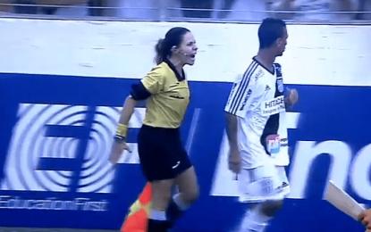 Mulher assistente impõe-se durante jogo no Paulista