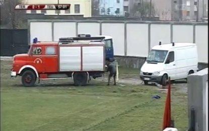 Entretanto na Albânia: ambulância avaria durante lesão de jogador