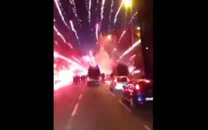 Adeptos da Atalanta despedem-se de adeptos do Inter com fogo de artifício