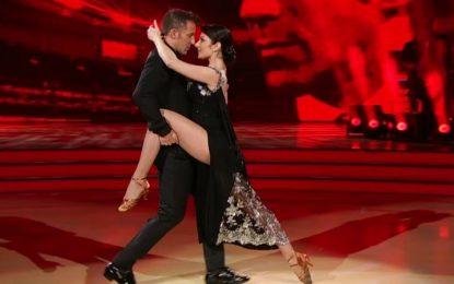 Alessandro Del Piero mostra dotes na dança na TV italiana