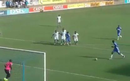 Tentou imitar penalty de Messi, mas correu mal