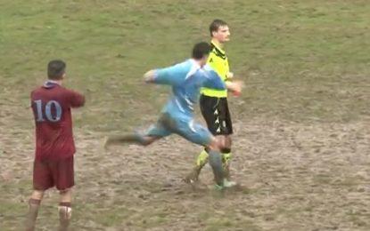 Jogador expulso agride árbitro em Itália