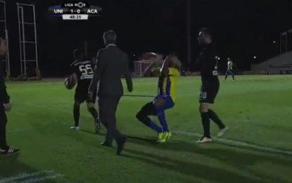 Treinador da Académica agride jogador do União da Madeira