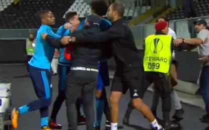 Evra expulso em Guimarães depois de agredir adepto