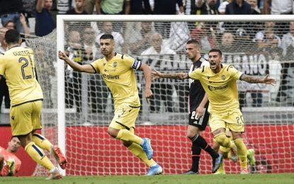Miguel Veloso faz bomba do meio da rua na Serie A