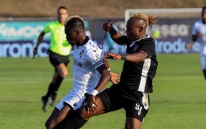 VÍDEO: Saviour Godwin fez a vida negra a Sacko na Taça da Liga