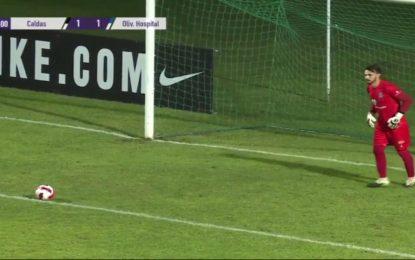 Vídeo: Adeptos do Caldas começaram a contar os segundos que o guardião adversário perdia e o árbitro acabou por dar amarelo