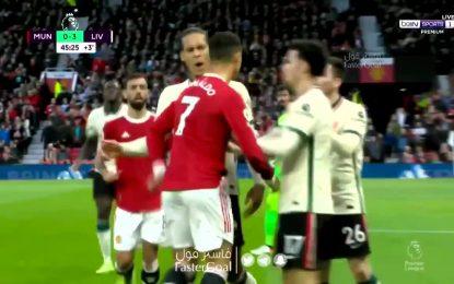 Vídeo: Ronaldo descarregou a fúria em Jones e acabou a levar uma peitada de Van Dijk